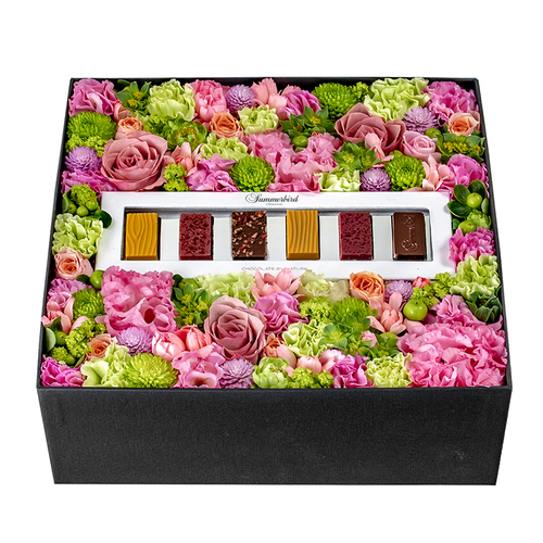 Pamper Box: Pink (With Summerbird Tapas) image